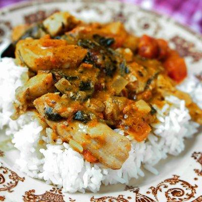 Palaver Chicken – Ghanian Chicken Peanut Stew