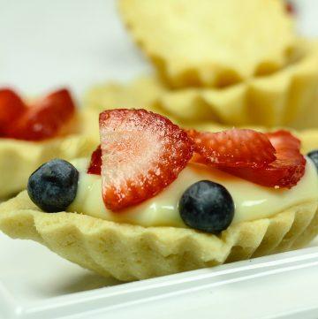 Sandbakkels - Norwegian Almond Butter Cookies