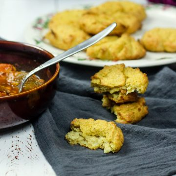 Mealie Cakes – African Cornmeal Biscuits