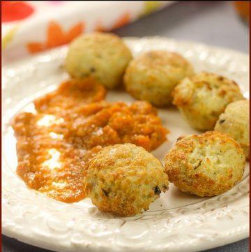 Rice Balls with Dip