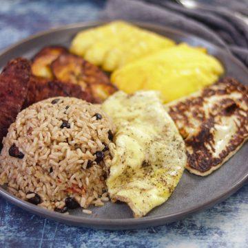 Gallo Pinto - Costa Rican Rice & Bean Breakfast Platter