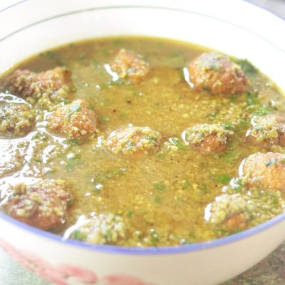 Matar Ka Nimona aur Mungodi – Mung Bean Dumplings in Curried Green Pea Broth