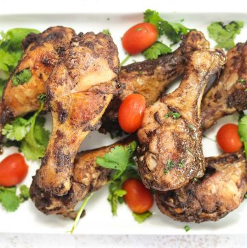 plate of chicken drumsticks